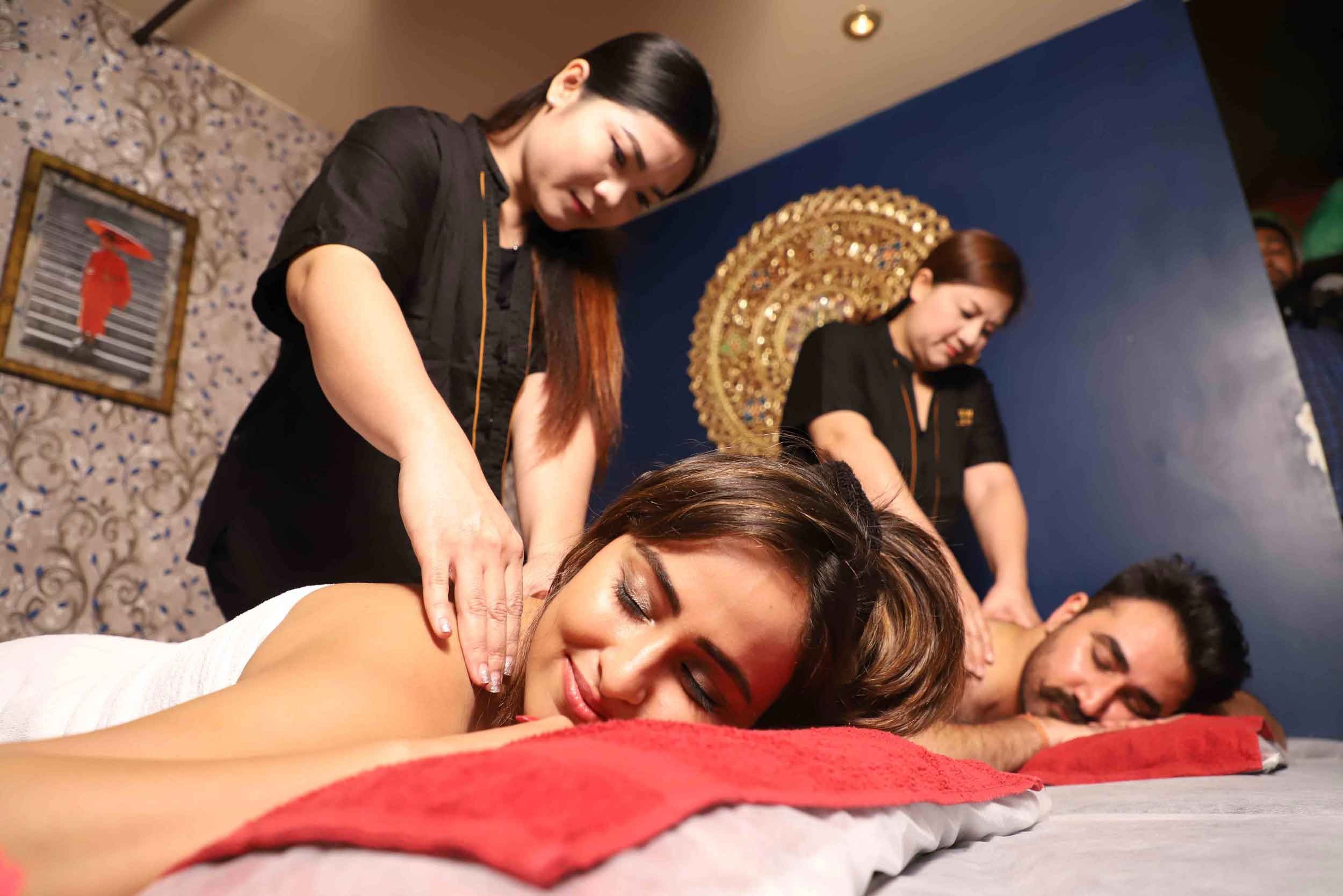 Couple Massage at yuanthaispa